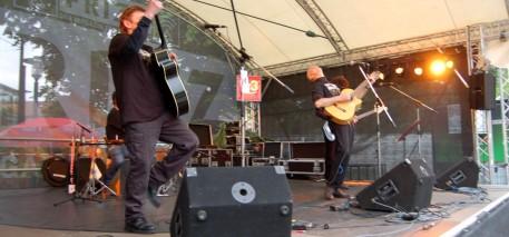Schlossgrabenfest 2013 – MichelAngelou Acoustic Quartett